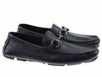 erkekler için metal ayakkabılar toptan satış-Yumuşak Deri erkek eğlence elbise ayakkabı parçası hediye doug ayakkabı Metal Toka Slip-on Ünlü marka adam tembel falts Loafer'lar Zapatos Hombre 40-46