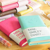 ingrosso appendiabiti in pelle-Commercio all'ingrosso - 6 colori Mini Smiley Diary Notebook Memo Book notes in pelle Cancelleria Pocketbook 100 pagine