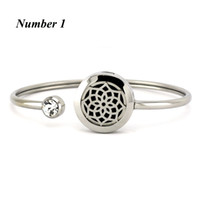 Wholesale 20mm Silver Round Hand Stainless Steel Aromatherapy locket Bracelet Bangle oil diffuser perfume locket bracelet Jewelry