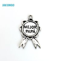 Wholesale Papa Jewelry - 8pcs Tibetan Silver Plated Medal mejor PAPA Charms Pendants for Bracelet Jewelry Making DIY Handmade Craft 40x25mm