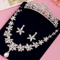 Wholesale Diamond Hairbands - High Quality Crystal Diamonds Luxury Wedding Bride Accessories Suits 2016 Hot Sale Flower Style Three Pieces Bridal Tiara Necklace Earring