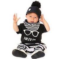 bebek güzel pijama toptan satış-Bebek güzel INS aşk gözlük desen şerit Takım elbise yeni çocuk Kısa kollu T-Shirt + pantolon 2 adet Takım karikatür pijama Suits B