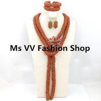 joyas de coral rojo indio al por mayor-Conjunto de joyas de novia africana de coral rojo verde Conjunto con broche de pulsera de pendientes de fiesta India Collar Conjunto de joyas de plata para coronas de boda