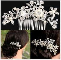 kelebek saç tırnağı toptan satış-Gelin Düğün Tiaras Saç Combs Firkete Başkanı adet Takı Aksesuarları Rhinestones Inci Kelebek Saç Pençeleri Gelin toptan için