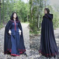 Witch Costumes d'Halloween Shawl Cloak With Hat Hoodie Robes Femmes Robe de noire Keep Warm Cosplay Gowns Snowman