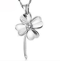 пурпурные бриллиантовые подвески оптовых-Мода Алмаз повезло четыре листья Белый Фиолетовый цвет ожерелье Серебряное ожерелье цепь счастливый цветок очарование кулон нет цепи DHL