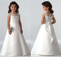 saten çiçek topları toptan satış-Kolsuz Scoop Boyun Dantel Aplikler Saten Düğün Çiçek Kız Elbise Balo