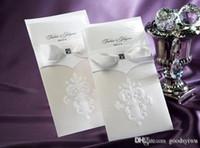 convites clássicos do casamento cartões venda por atacado-Clássico europeu fita branca Convites De Casamento Cartão de Teste Padrão de Flor Cartões De Casamento Com Fita Bow Handmade Convites Do Partido cc