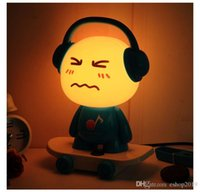Music Boy Petite lampe de bureau Lampe de lit Night Light Lampe de table DJ Skateboard Cute Boy Night Light Cartoon Lampe de bureau Creative Lamp