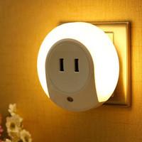 gece ışık plakası açtı toptan satış-Çok İşlevli LED Gece Lambası Işık Sensörü ve Çift USB Duvar Plaka Şarj ile Akıllı Tasarım Işık Yatak Odası için AC100-240V 5 V 2A