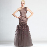 vestidos longos de organza marrom venda por atacado-Design moderno Um Ombro Moda Prom Vestido Organza Marrom Personalizado Com Flor Artesanal Comprimento Longo Mulheres Vestido