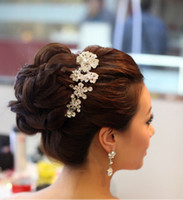 Wholesale Textures Silver Jewelry - 2017 Free Shipping Crystal Wedding Bridal Jewelry Crystal Floral Hair Comb The texture of the metal ornaments