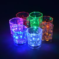 Wholesale New Shot Glasses - New Hot Sale LED Flash Light Whisky Shot Drink Glass Cup flashing Beer Bar Party Wedding Club wedding decoration Gif