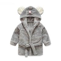 enfant de velours achat en gros de-Pyjama bébé animal en peluche peignoir bébé pc 1 garçon fille doux velours robe pyjama enfants de corail habillent vêtements pour bébé