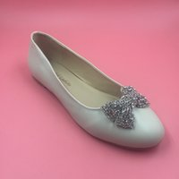 cfbd5355e4c billige flatforms schuhe großhandel-2016 Echt Elfenbein Braut Hochzeit  Schuhe Mit Kristall Perlen Bogen Flatforms