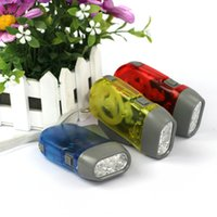 Extérieur 3 LED Main Press Pas de batterie Wind Up Crank Dynamo Flashlight Light Torch Camping Portable Flash Light