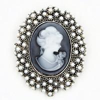 ingrosso spille perle-Perle d'epoca tono argento antico elegante perla perline Lady cammeo spilla delicata elegante stile retrò donne pin spilla per il partito