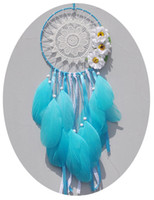 Barato Penas Decoração Azul-Lovely Dreamcatcher Creative India Style Blue Flower Feather Dream Catcher Wind Chimes Wall Hanging Decoration B946L