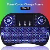 bluetooth trois achat en gros de-Fly Air Mouse Bluetooth RII I8 Trois Couleurs Rétro-Éclairé Clavier Sans Fil Multimédia Télécommande Touchpad De Poche pour X96 T95Z T95m int box