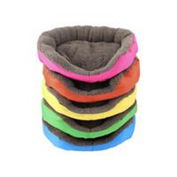 köpek yatakları tasarımı toptan satış-Tasarım Yumuşak Polar Sıcak Köpek Yatak Ev Evcil Yavru Kediler Için Peluş Yuva Mat Pad