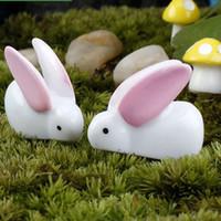 suni süs eşyaları toptan satış-Beyaz Mini Tavşan Reçine Zanaat Peri Bahçe Minyatür Mikro Dünya için Bonsai Yapay Bonsai Bahçe Küçük Hayvan Manzara Ev Dekorasyon