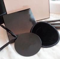 ingrosso piccoli specchietti rotondi-Logo classico specchio famoso marchio piccolo specchio rotondo 6,5 cm con imballaggio regalo di buona qualità VIP (Anita Liao)