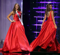 2016 THE MISS TEEN USA Abiti da spettacolo Pageant A-Line Red Satin Bateau Spaccato Abiti da sera Celebrity Dress Ruffled Abiti da sera formale Custom Made