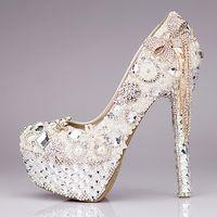 zapatos de diamante para la boda al por mayor-Nuevo 2018 Zapatos de boda de lujo Brillo de lentejuelas Pearl Bow Formal Party Sparkling Single Diamond Nupcial zapatos de tacón alto EM01432