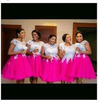 vestido de encaje blanco nigeria al por mayor-Nigeria Blanco Y Fushia Encaje Apliques Vestidos de dama de honor Manga corta Hasta la rodilla Puffy Vestidos de dama de honor Más el tamaño Vestidos de invitados de boda