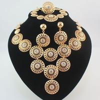 dubai altın kaplama gelin takı toptan satış-Dubai Afrika Altın Kaplama Gizemli Büyüleyici Gelin Moda Kolye Bilezik Yüzük Küpe Kadınlar Kostüm Partisi Takı Setleri