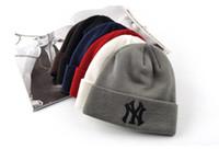 ingrosso berretti ricamati di modo-Berretto ricamato delle lettere NY del cappello lavorato a maglia caldo di inverno per le protezioni di sci all'aperto di modo unisex A033