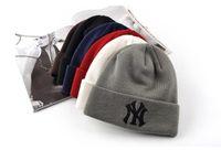 moda işlemeli kapaklar toptan satış-Kış Sıcak Örme Şapka NY Mektuplar Işlemeli Beanie Unisex Moda Açık kayak A033 Için Caps