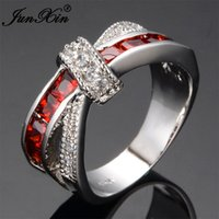 JUNXIN Mystery Red Cross Anello Fashion White Black Gold Filled Jewelry Anelli di nozze d'epoca per le donne Regali di pietra di compleanno