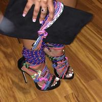 botas abiertas stiletto al por mayor-Rebajas Múltiples Cuerdas Sandalias de Gladiador Mujeres 2017 Nuevos Zapatos Mujer Tacones de aguja Zapatos de vestir Punta Abierta Tacones Altos Plataformas Botas Sandalias Mujer