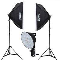 estudios kit al por mayor-Venta al por mayor - Kit de iluminación continua de fotografía LED 2x5500K Luces LED 2x 50x70cm Softbox + 2x Soporte de luz + 1.6 * 2M de fondo para estudio fotográfico