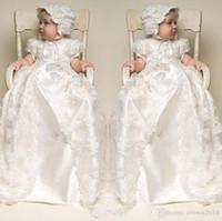 vintage bebek resimleri toptan satış-Dantel Beyaz İlk Communion elbise 2019 Kısa Kollu Yüksek Yaka Uzun Bebek Parti Doğum Günü çiçek kız elbise Şapka Ile Gerçek resim