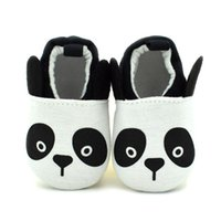 tecidos de desenho animado venda por atacado-2016 Novo Bebê Sapatos de Caminhada Panda Bonito Dos Desenhos Animados Tecido de Algodão Respirável Slip-on Anti-slip Sola Macia Afixada ao pé
