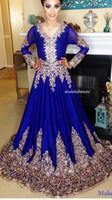 mavi şifon gece elbisesi toptan satış-Arapça Kraliyet Mavi Şifon Abiye 2017 Uzun Kollu ile Altın Dantel Aplikler Sweep Tren İnanılmaz Gelinlik Modelleri Örgün Abiye giyim