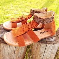 boncuk sandaletleri toptan satış-Saçaklı Düz Çocuk Sandalet Bebek Yürüyor Kızlar Boncuk Süet PU Deri TPR Taban Fermuar Astar Kahverengi Siyah Mavi Gladyatör Ayakkabı