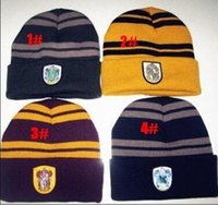 2017 caldo Beanie Ravenclaw Gryffindor Skull Caps Slytherin Hufflepuff Cappelli a maglia Cosplay Costume Caps Scuola a righe Badge Cappelli