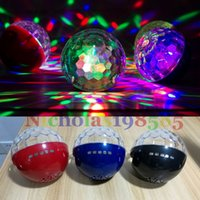 YPS-D108 Mini portátil sem fio Bluetooth Mini alto-falantes LED Light Magic Ball festa de Natal Disco KTV Stage Lâmpada TF USB Card FM