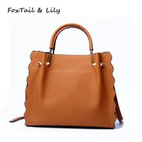 FoxTail Lily Petal Shape Natural Cow Leather Handbags Mulheres Real Genuine Leather Tote Ombro Messenger Bags Luxury Designer