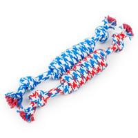 ingrosso il cane annodato di corda del cotone masticare-2018 Dog Rope Fun Pet Masticare Knot Toy Cotton Stripe Rope Dog Toy Durevole Accessori per cani di alta qualità Drop Drop DHL gratuito