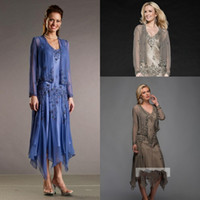 Wholesale Chiffon Dreses - 2017 New Vintage Mother Of Bride Dresses V Neck Long Sleeves Lace Appliques Beads Chiffon Tea Length Bride Wedding Guest Dreses With Jacket
