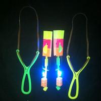 luzes rotativas para crianças venda por atacado-Dia das bruxas boa qualidade LED Flash de Luz Voando Flash Girando Flecha Voando Atire Helicóptero helicóptero guarda-chuva brinquedo do miúdo DHL grátis E1113