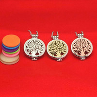 Wholesale Oil Pendants - Tree of life Aromatherapy Essential Oil Diffuser Necklace openable Locket Chains Glow in the Dark Necklace Fashion Jewlery Drop Shipping