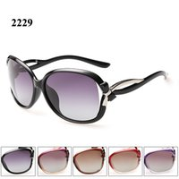 Wholesale Wayfarer Sunglasses Dhl - 2016 Fashion women sunglasses polarized with beautiful decoration for driving and travel lunettes de soleil DHL or Fedex