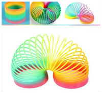 Barato Sempre Clássico-Slinky Magic Plastic Rainbow Spring Colorful New Children Funny Classic Toy Ever-changing Rainbow Circle Puzzle Unsex Presentes Brinquedos para Crianças