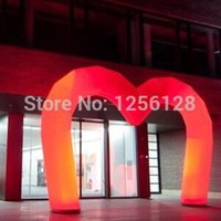 Wholesale heart shaped colors changing Inflatable entrance arch for romantic wedding decoration with Led