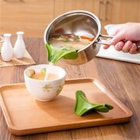 Wholesale Yan Wholesale - Anti-spill Drain The Kitchen Pots and Pans Round Rim Deflector Liquid Diversion Mouth Poured The Soup Kitchen Gadgets YAN